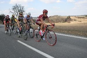 GP Příbram - Nebojsa Jovanovič se na trase cyklistického závodu GP Příbram čelně střetl s neukázněným motorkářem