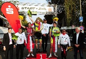 Václav Viktorin na stupních vítězů při  Int. mistrovství Dortmundu v kritériu
